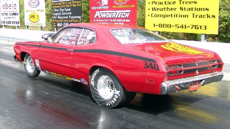 pics of Denny Boyle's 1972 9 sec Plymouth Duster
